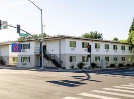 Motel 6 Modesto-Downtown
