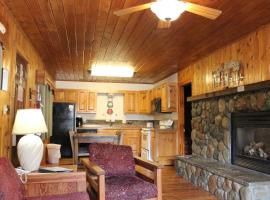 Copper King Lodge, Red River