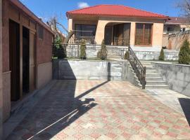 Luxurious House in Dzoraghbyur (Yerevean), Erivan (P'arak'ar yakınında)