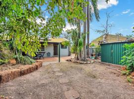 Light filled 2 Bedroom Home in Convenient Location