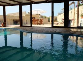 Casa en finca de uva con piscina privada, cubierta y climatizada, Ла-Дегольяда