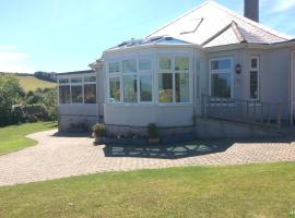 Clovelly Holiday Bungalow