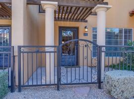 Comfortable 2 Bed Townhome in Uptown Phoenix 104