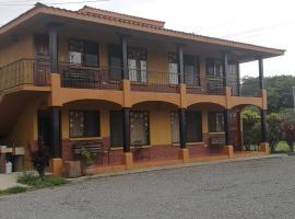 Miravalles Vista Verde, Guayabos (Torno yakınında)