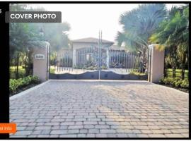 Vacation House Farm Miami Wedding Venue