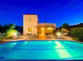Rhadamanthus Traditional Villa with private swimming pool, Gállos