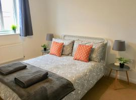 Eastleigh House close to Airport and M3/M27 links, Southampton (Near Eastleigh)