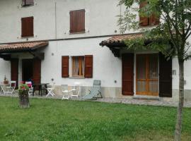 Casa bianca, Serramazzoni (Lo Spino yakınında)