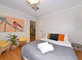 Entire Characterful Home Close to Beach, Perth (Woodvale yakınında)