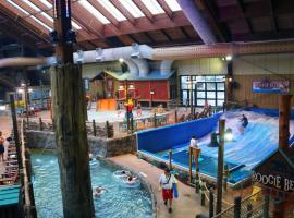 Six Flags Lodge & Indoor Waterpark - Park Access Included