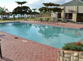 La Riviera Hotel, Ntali