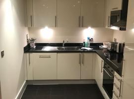 Huge 2bed 2bath flat in Highbury