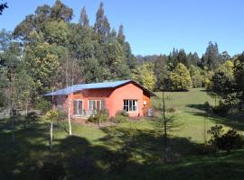 Whispering Spirit Holiday Cottages & Mini Ponies, Franklin (Huonville yakınında)