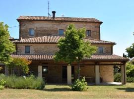 Stone farmhouse in Moie