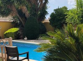 Villa Rodonya with a private pool, just 19km to the beaches of Tarragona!, Rodonyà