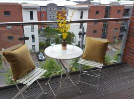 Stylish Modern Central Apartment & Secure Parking