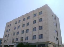 Hotel 7 Mari