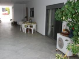 Summer House Lagonisi, Áyios Nikólaos (рядом с городом Markopoulon)