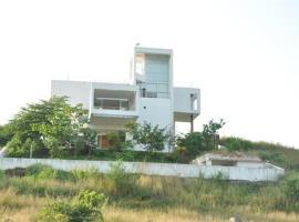 4 Bedroom Luxury Bungalow in Karjat, Maharashtra!!, Karjat (рядом с городом Palasdari)