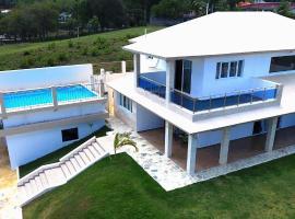 Villa deluxe near to the beach