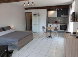 Appartement douillet au bord de l'Yonne, Осер (рядом с городом Venoy)