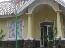 Villa Bukit Cipendawa, Sindanglaya (рядом с городом Pacet)