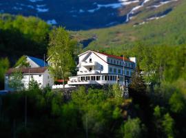 Hotel Utsikten - by Classic Norway