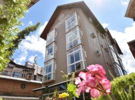 Micheline Hotel Tricot
