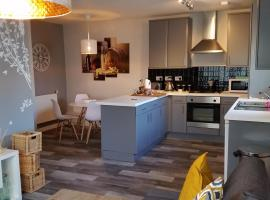 New Contemporary Flat minutes from Airport & NEC