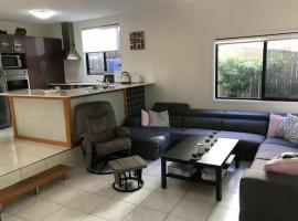 Tranquil Apartment 12 Minutes Outside Brisbane City