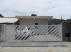 Casa Familiar Floripa SC, Florianópolis (Cachoeira do Bom Jesus yakınında)