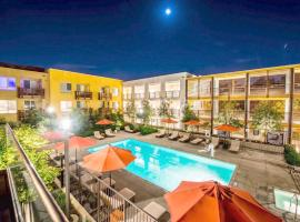 Featured Hotels Near Loyola Marymount University Show Map California Suites
