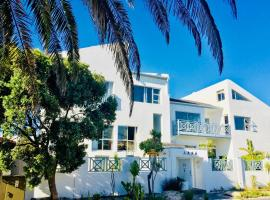 5 Options Guest House, Bloubergstrand
