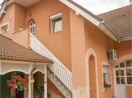 Four-Bedroom Apartment in Koroshegy