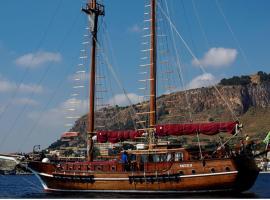 Caicco Santa Barbara