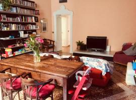 Charming double bedroom in Navigli district