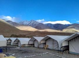 1 BR Tent in Spangmik, Leh (C50E), by GuestHouser, Spangmik (рядом с городом Man)