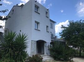Maison de village calme et dépaysante, Pietracorbara (рядом с городом Oreta)