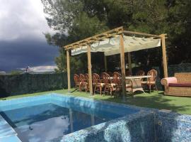 Casa romántica con Jacuzzi para 8 personas con piscina privada
