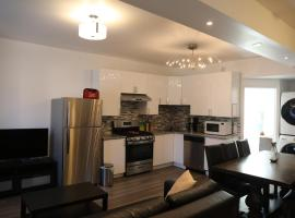 Comfortable 3 bedrooms + 2 bathrooms renovated house in central Ottawa
