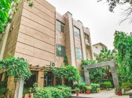 1 BR Boutique stay in Sundar Nagar, New Delhi (AF0D), by GuestHouser