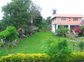 1 BR Boutique stay in The Nilgiris, nilgiris (651D), by GuestHouser, Масинагуди