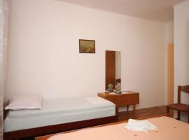Triple Room Sucuraj 6734d