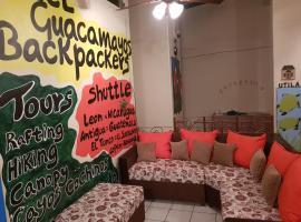 Hostel Guacamayos