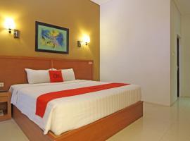 RedDoorz Premium near Sleman City Hall, Джокьякарта (рядом с городом Sleman)