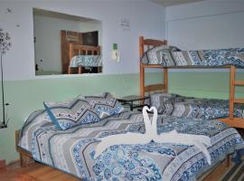 Cabinas El Pueblo Bed & Breakfast