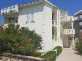 Apartments Kate - Novalja