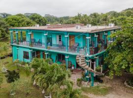 River Park Inn, San Ignacio (Santa Familia yakınında)