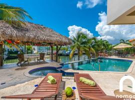 Huge Luxury Waterfront Pool Hot Tub Vacation Home!