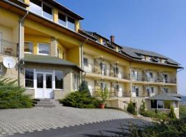 Hubertus Hotel, Ленти (рядом с городом Гостола)